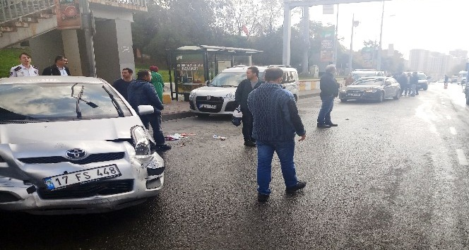Piyalepaşa Bulvarı'nda feci kaza: 1 yaralı