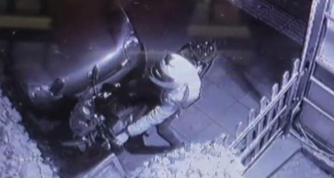10 saniyede 10 bin liralık motosiklet hırsızlığı kamerada