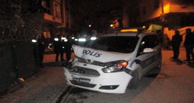 Suçlu kovalayan polisler kaza yaptı: 1 polis yaralı