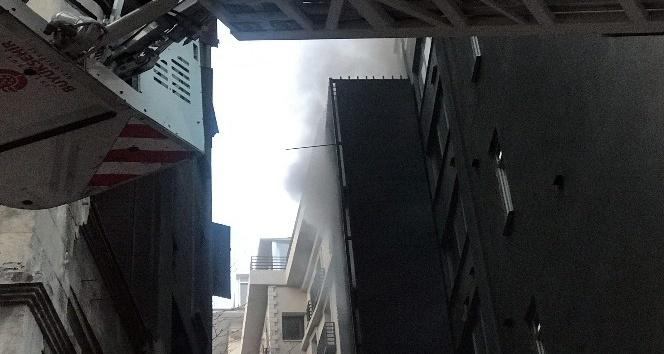 9 katlı otelde yangın paniği