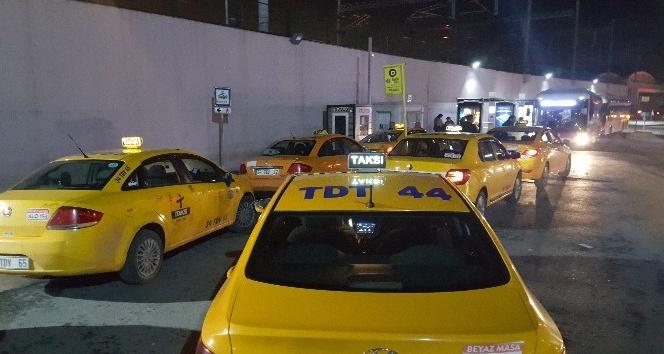 Taksiciler, krizi fırsata çevirdi