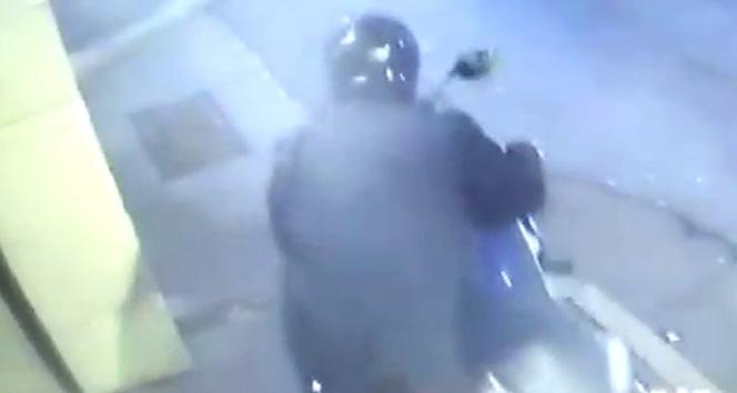İstanbul'da 25 bin TL'lik motosiklet hırsızlığı kamerada