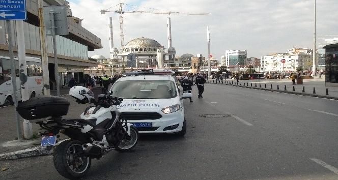 Taksim Meydanı'nda ticari ve özel araçlara yönelik uygulama