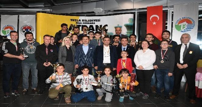 Tuzla Belediyesi Kışa Merhaba Satranç Turnuvası düzenlendi