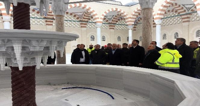 """Bakan Kurum: """"Çamlıca-Libadiye Tüneli'nde sona gelindi"""""""