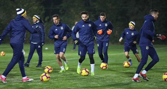 Fenerbahçe, ikinci yarı hazırlıklarına start verdi