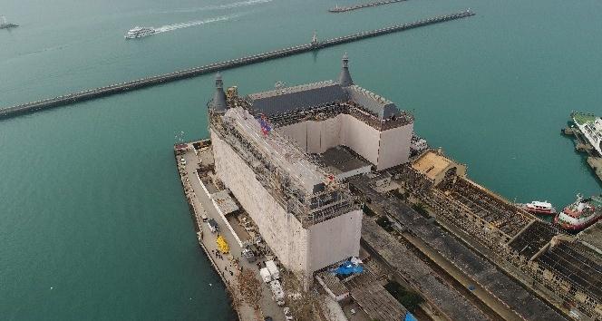 Haydarpaşa Garı'nın çatı restorasyonu havadan görüntülendi