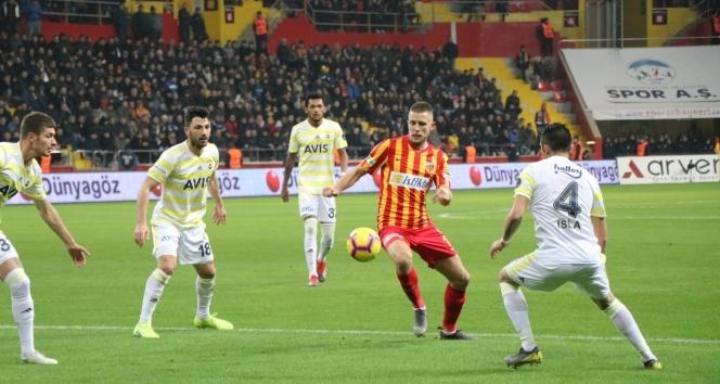 Kayserispor, Fenerbahçe'yi 1-0 mağlup etti