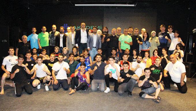 Geleceğin Muaythaı Antrenörleri İstanbul'da eğitimlerini tamamladı