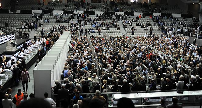 Beşiktaş'ta oy verme işlemi devam ediyor