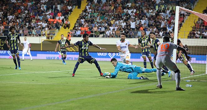 Fenerbahçe, deplasmanda Aytemiz Alanyaspor'a 3-1 mağlup oldu